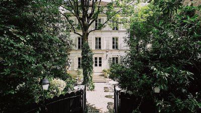 HOTEL PARTICULIER MONTMARTRE: THE PLEASURE OF PARISIAN HEDONISM